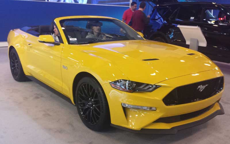2018_Ford_Mustang_Convertible_(SIAM_2018)